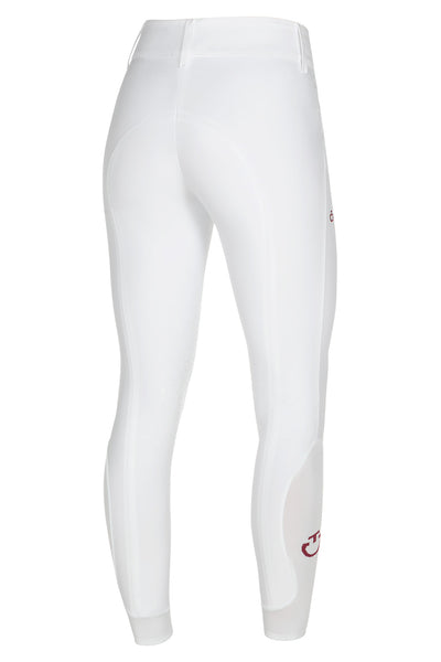 The Cavalleria Toscana American breeches encapsulates everything CT has to offer. The gorgeous knitted fabric is extremely comfortable and stretchy whilst elegant. The wider waistband gives a modern updates look.  These American breeches come with the iconic Cavallerria Toscana knee grip