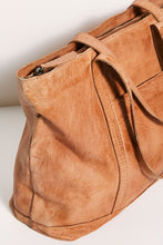 Load image into Gallery viewer, Cali Leather Tote