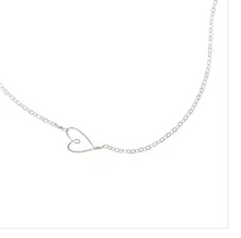 Load image into Gallery viewer, Tiny Heart Necklace - Accent's Novato