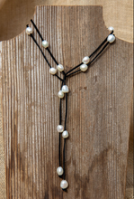 Load image into Gallery viewer, Leather/ Pearl Lariat - Accent's Novato