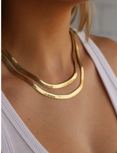 Clea Herringbone necklace