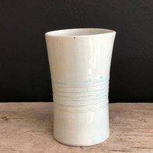 Load image into Gallery viewer, Porcelain Pourers