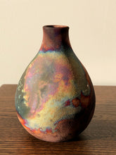 Load image into Gallery viewer, Small Raku vase