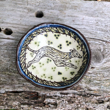Load image into Gallery viewer, Sgraffito dish