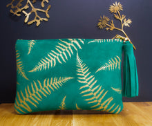 Load image into Gallery viewer, Fern green clutch