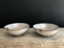 Load image into Gallery viewer, Olive bowls : pair
