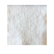 Load image into Gallery viewer, Jaya Matelassé Bedspread, White