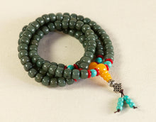 Load image into Gallery viewer, Dark Green Mala