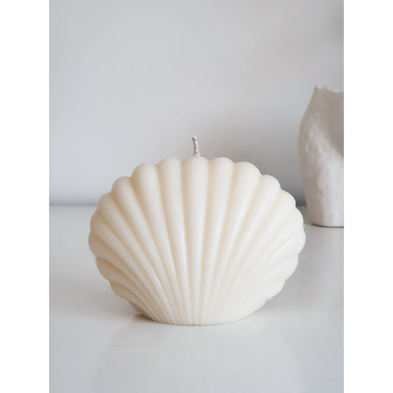 Shell Candle in Pearl White