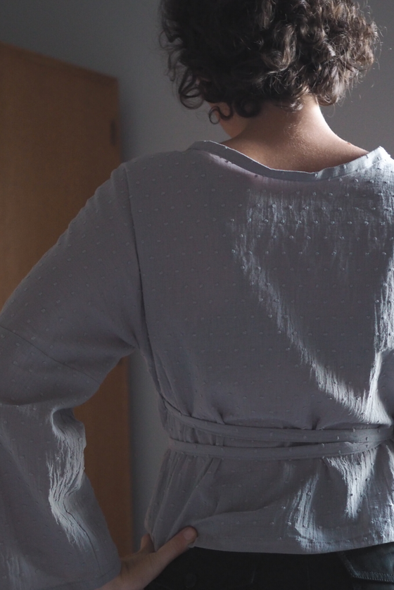 The Long Sleeve Winnie Wrap Top - Grey Spot Cotton