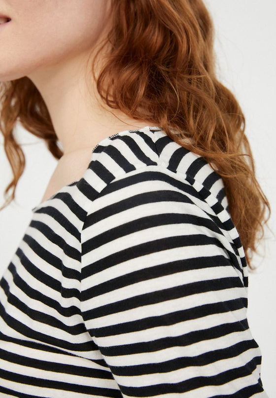 Evvaa Striped Top in Black and Sandshell