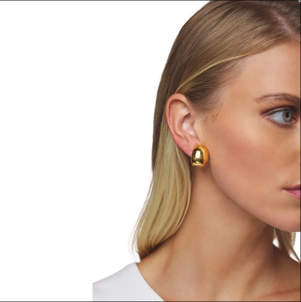 Gold Hoop Shape Earring (Clip)