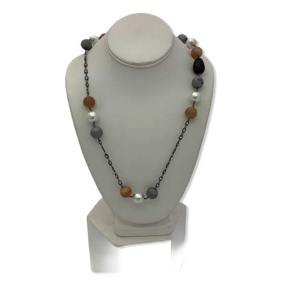 Modital Beaded Necklace 28