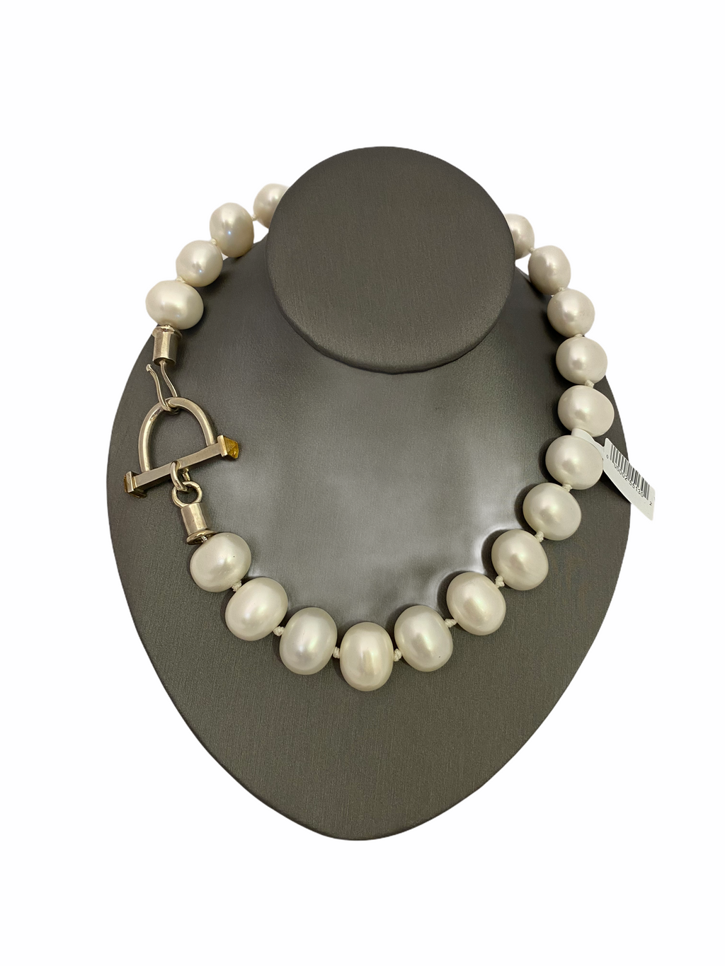 Short White Pearl Necklace