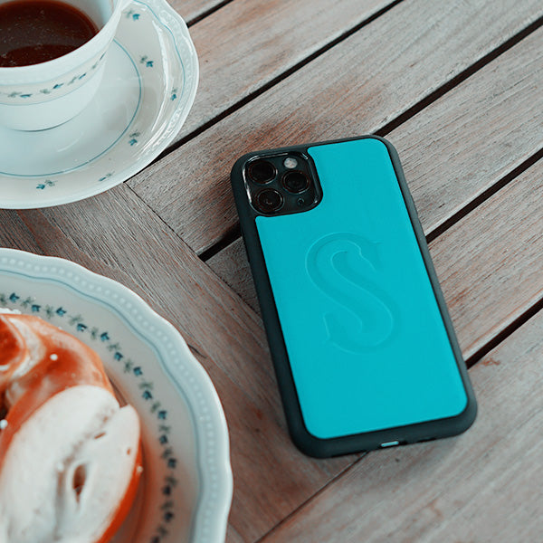 deep-teal-leather-iPhone-cover