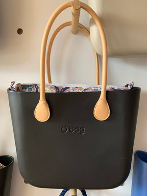Black Mini, foulard insert and long natural leather handles.