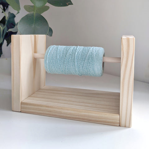 Warp Thread Holder