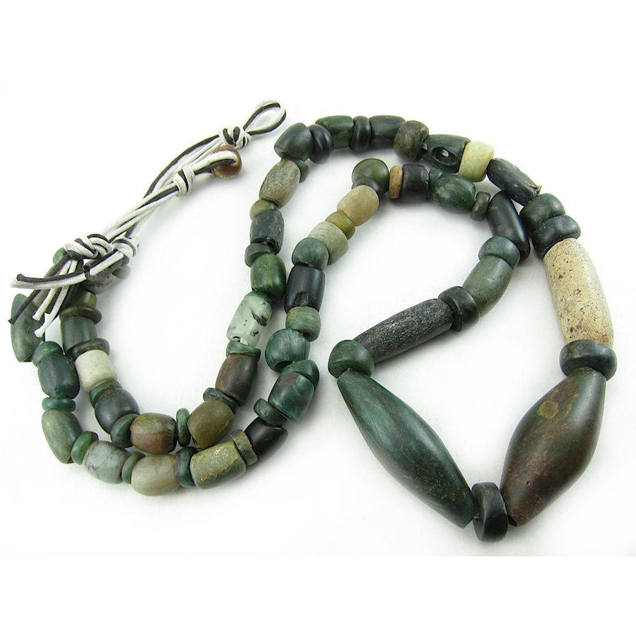 12th-16th Century Forest Green Serpentine Necklace 2