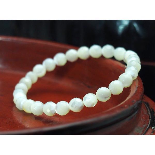Faceted Mother of Pearl Stretch Bracelet