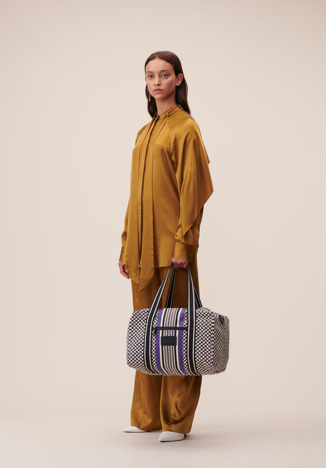 Big Bag Muriel Colored Kufiya Purple - A spacious weekender made of off-white canvas with a black...
