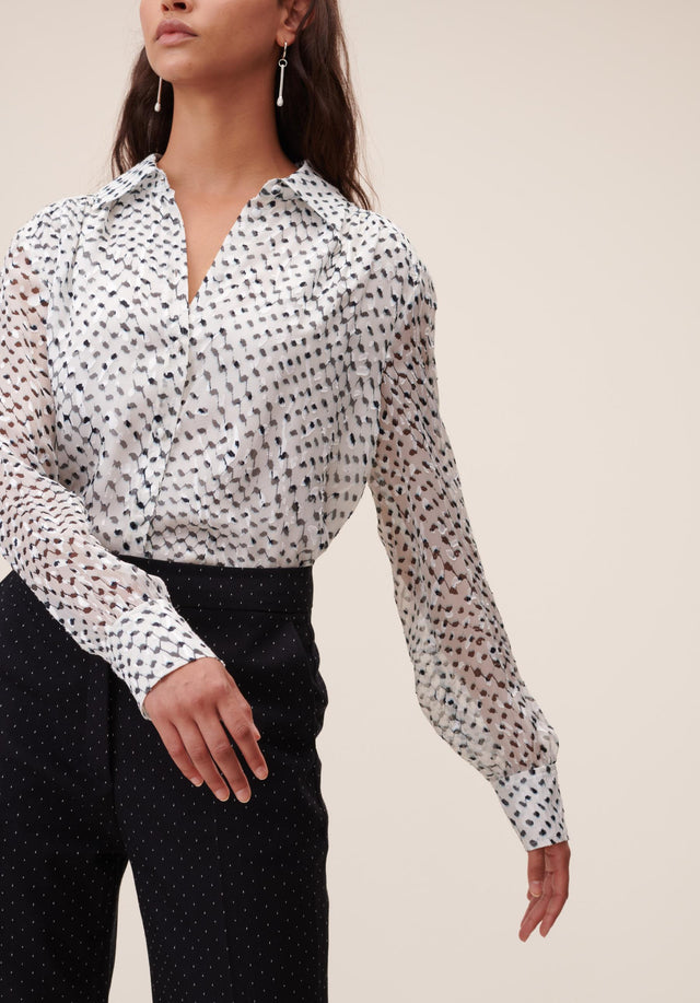 Blouse Beliz Polka Kufiya White - A classic shirt blouse made of energetically printed devoré, with... - 4/7