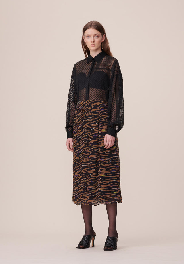 Blouse Blair Kufiya Embroidery Black - A delicate blouse with wide batwing sleeves and a beautifully...