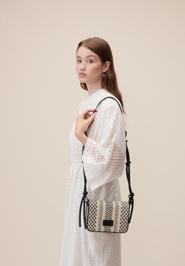 Crossbody Eline X-Stitch Black X-Stitch - Black and white always match. A beautiful crossbody bag made...