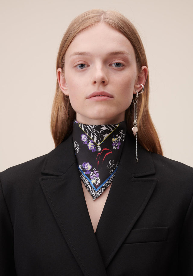 Cube Amelia XS Winter Blossom Black - A small rectangular scarf, made of the finest silk twill...