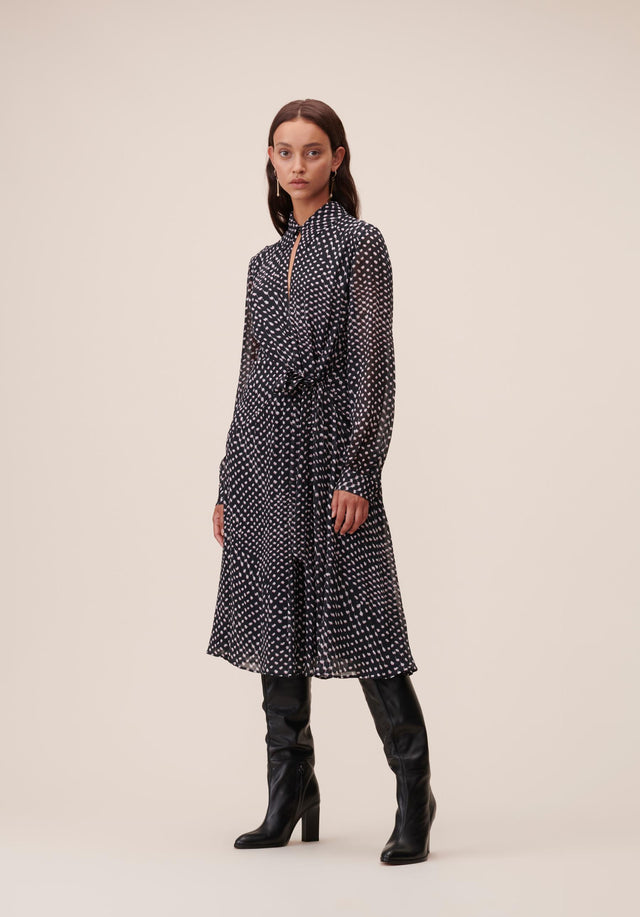 Dress Dalmon Polka Kufiya Black - A beautiful shirt-wrap dress in our Fall/Winter 20 Polka Kufiya...