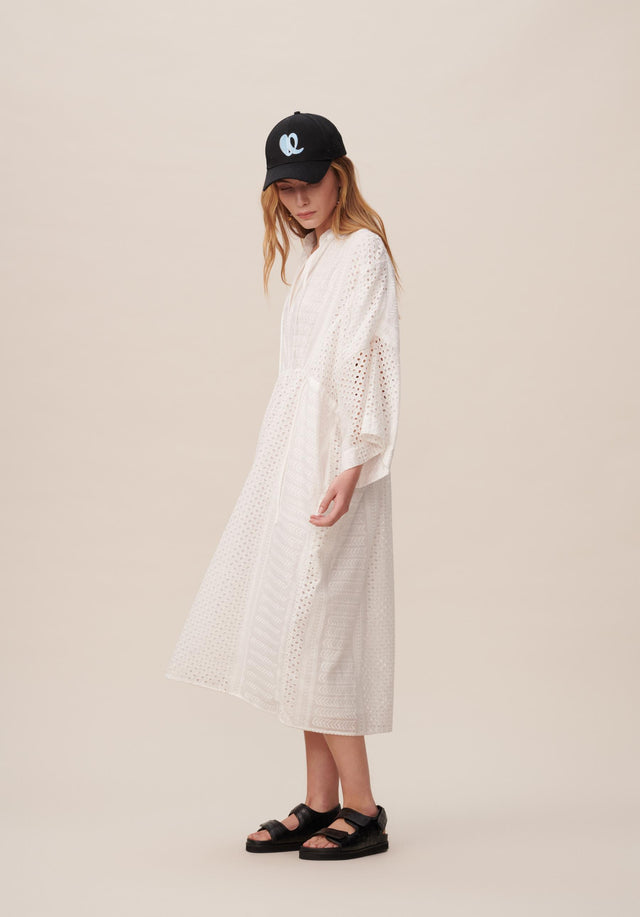 Dress Delias Broderie Anglaise Kufiya - Welcoming our urban kaftan in delicate broderie anglaise to the... - 3/11