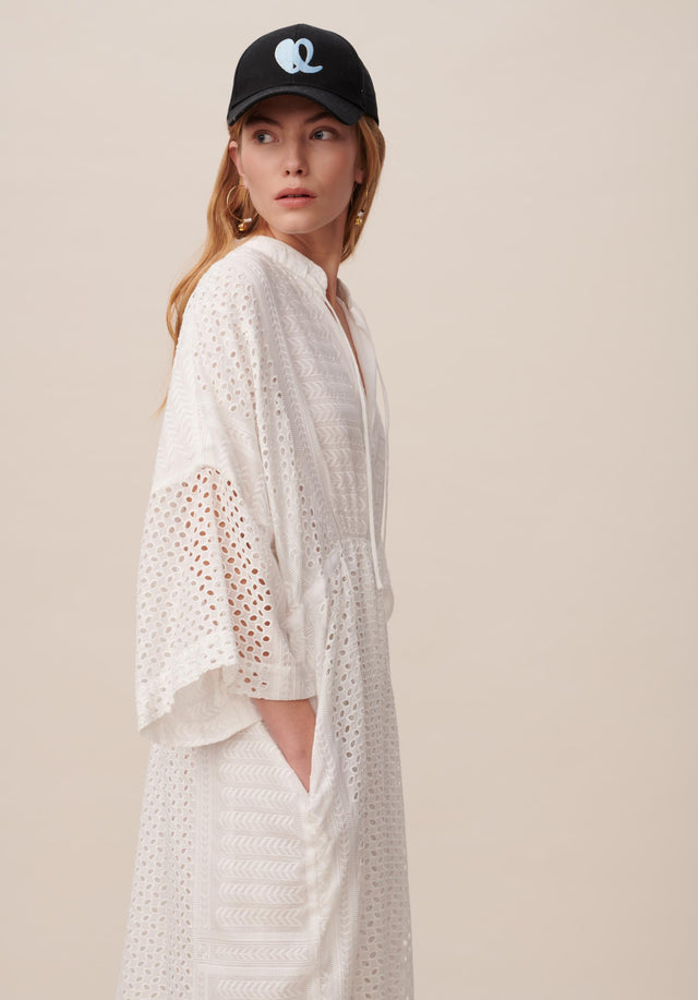 Dress Delias Broderie Anglaise Kufiya - Welcoming our urban kaftan in delicate broderie anglaise to the... - 7/11