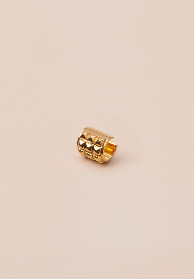 Earcuff Alicia Gold - A cool, studded earcuff to wear solo or paired up with...