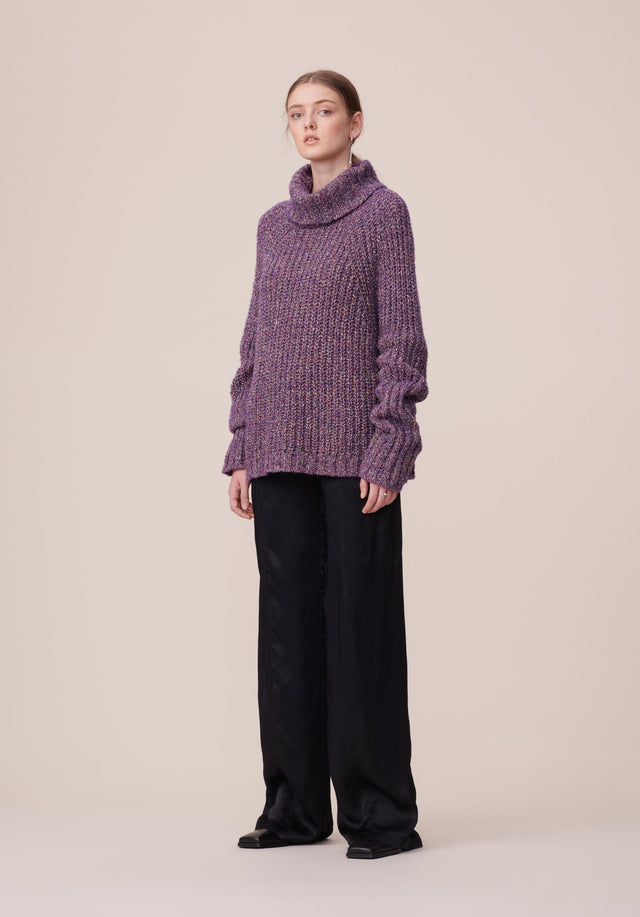 Jumper Krista Purple Mouline - A rich wool-blend jumper with extra-long fold-up sleeves and a...