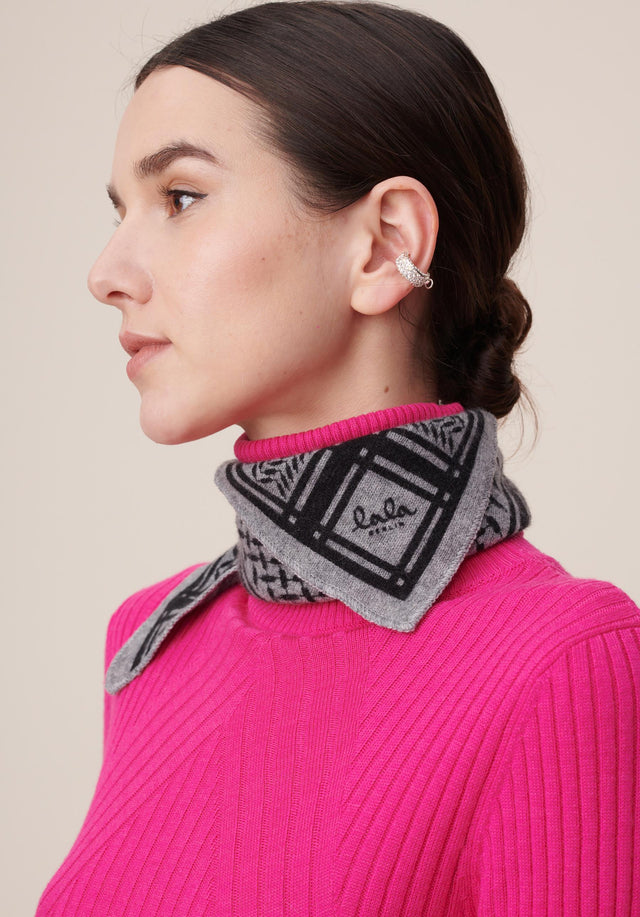Triangle Trinity Classic XS City Middlegrey melange - A small luxuriosly soft, triangle shaped cashmere scarf, featuring a...