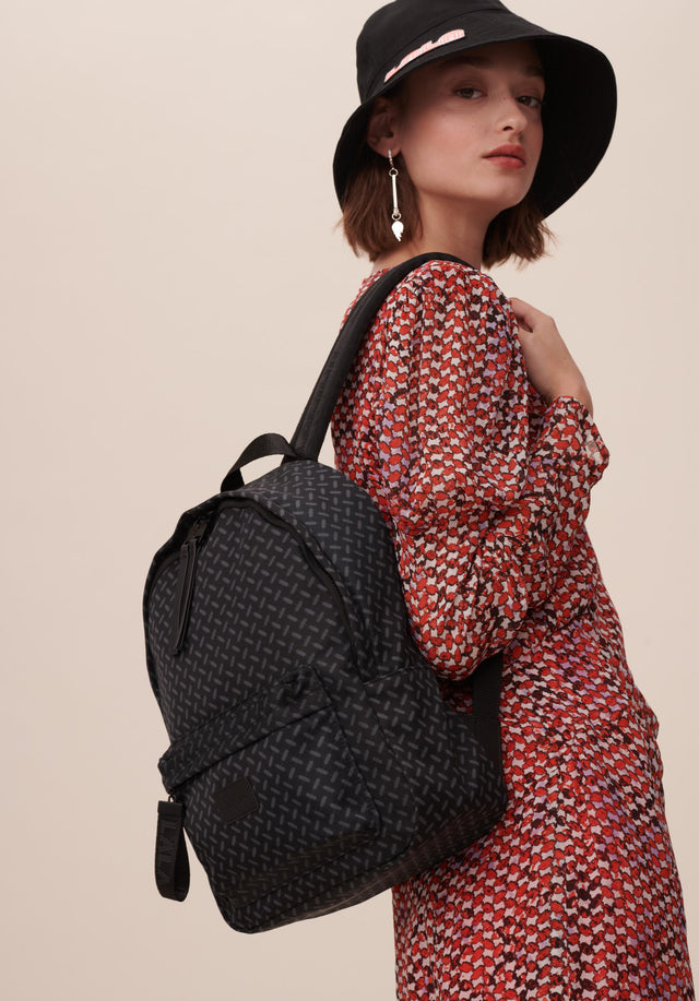 Backpack Agda Kufiya Classic Black - A roomy backpack made of black nylon, accentuated with a...