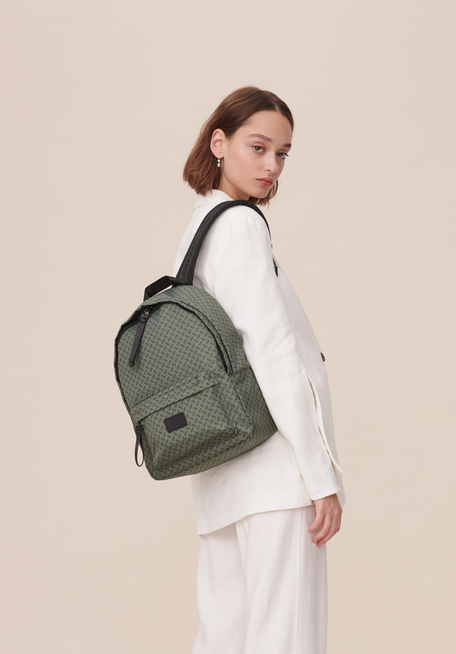 Backpack Agda Kufiya Classic Olive - A roomy backpack made of olive green nylon, accentuated with...