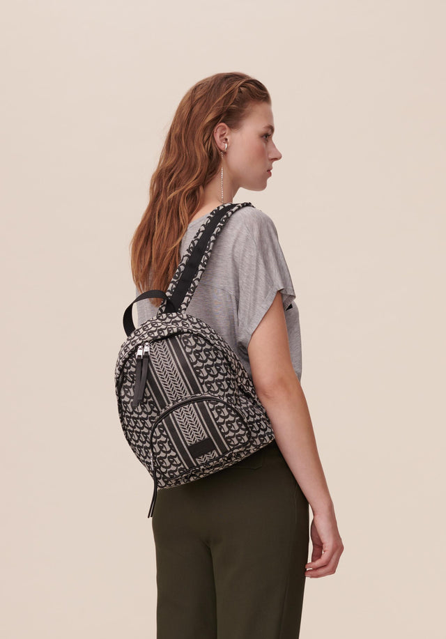 Backpack Alois Lala Powderbeige - A sporty yet feminine, medium-sized backpack featuring the lala Powderbeige...