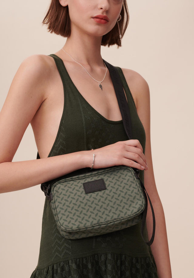 Crossbody New Agatha Kufiya Classic Olive - A handy crossbody bag made of olive green nylon  with...
