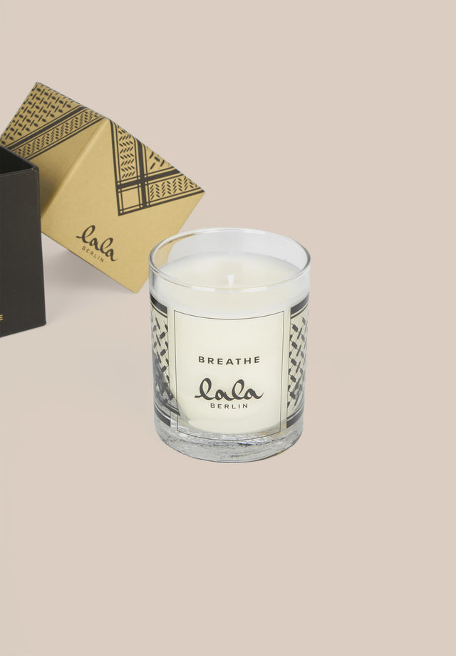 Candle Breathe Camel Black Kufiya - A candle with the lovely scents of bergamot, black pepper,... - 2/3