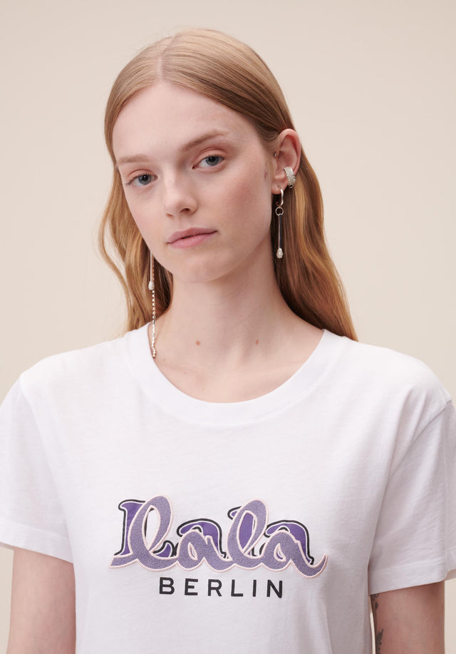 T-Shirt Cara Embroidery White - A classic t-shirt made of 100% cotton, with an embroidered... - 4/5