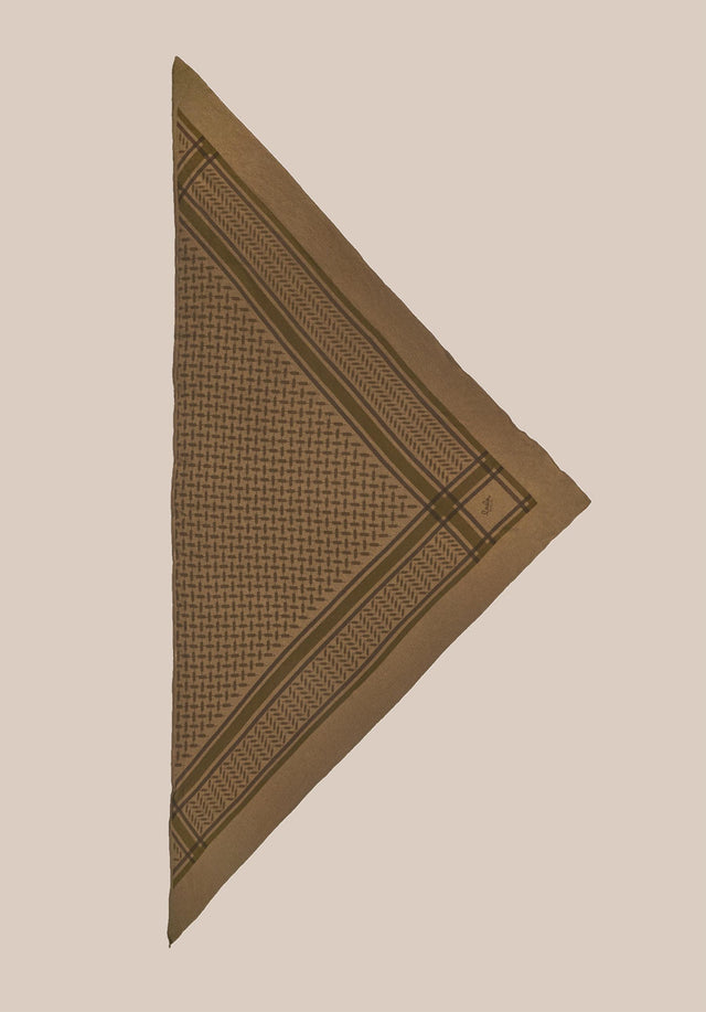 Triangle Trinity Colored M Canteen on Chocolate - A luxuriosly soft, triangle shaped cashmere scarf, featuring a classic... - 4/5