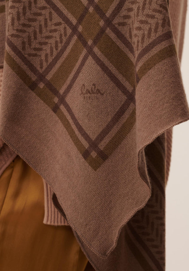 Triangle Trinity Colored M Canteen on Chocolate - A luxuriosly soft, triangle shaped cashmere scarf, featuring a classic... - 2/5