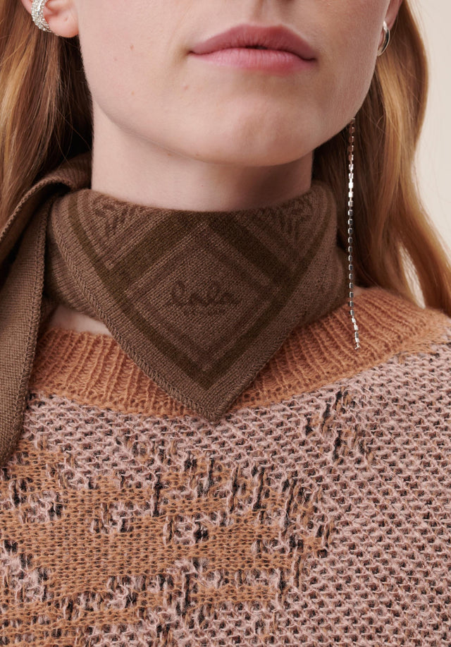 Triangle Trinity Colored XS Canteen on Chocolate - A small & luxuriosly soft, triangle shaped cashmere scarf, featuring... - 2/3