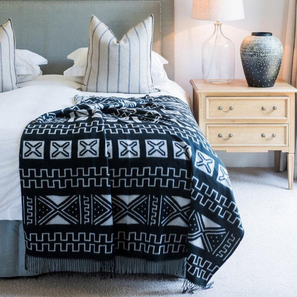 Mudcloth-Inspired Ethnic Pattern Print | Throw Blanket