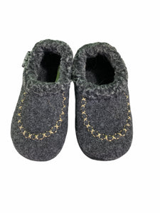 Kamik Gray Slippers (Size 7)