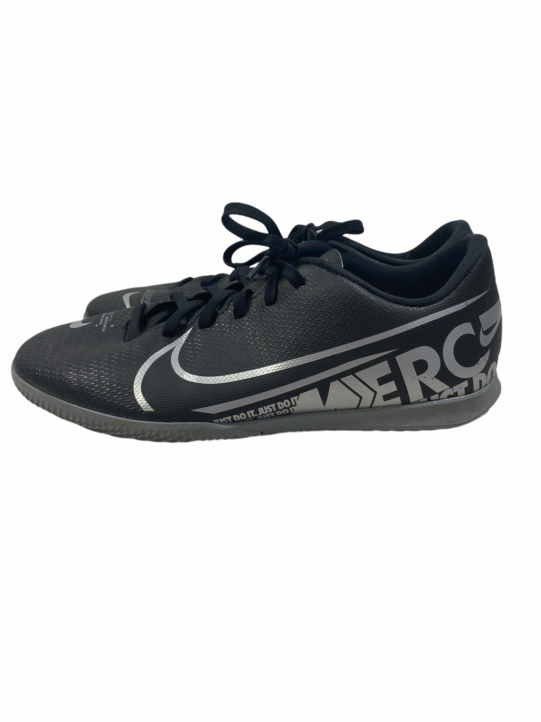Nike Black Indoor Soccer Shoes (size 8.5Y)