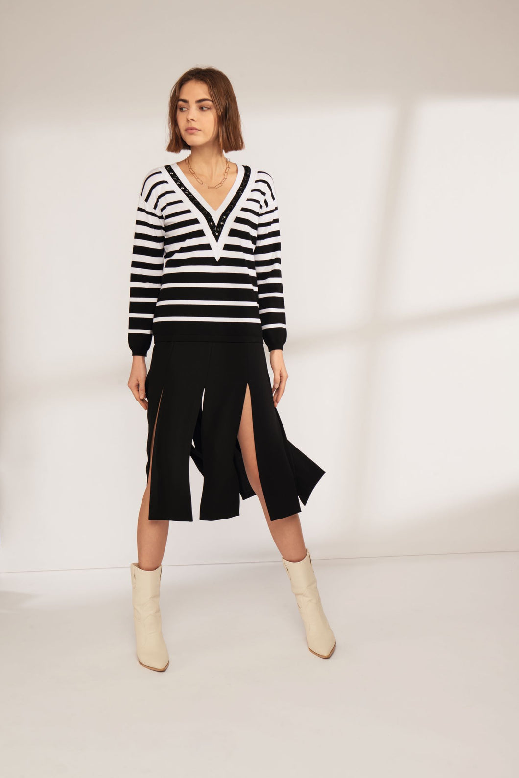 Leo & Ugo Monochrome Stripe Knit Top