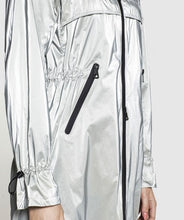 Load image into Gallery viewer, Creenstone Metallic Effect Lightweight Parka in Silver Sorbet
