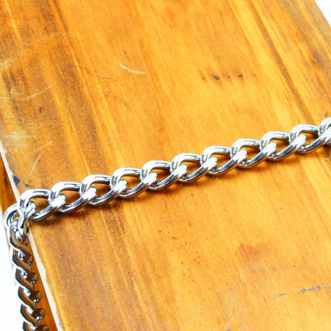 Axovus 3/4 inch Flat Link Leather Leash Chain Close Up