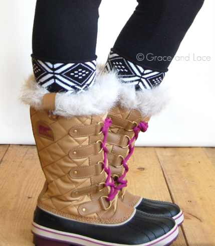 Patterned Boot Cuff-Tribal Black & White
